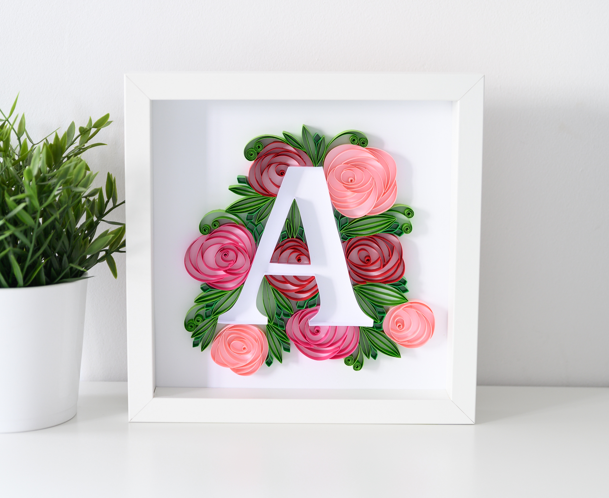 """Różana litera """"A"""" – Personalizowane dekoracje do pokoju dziecka"""