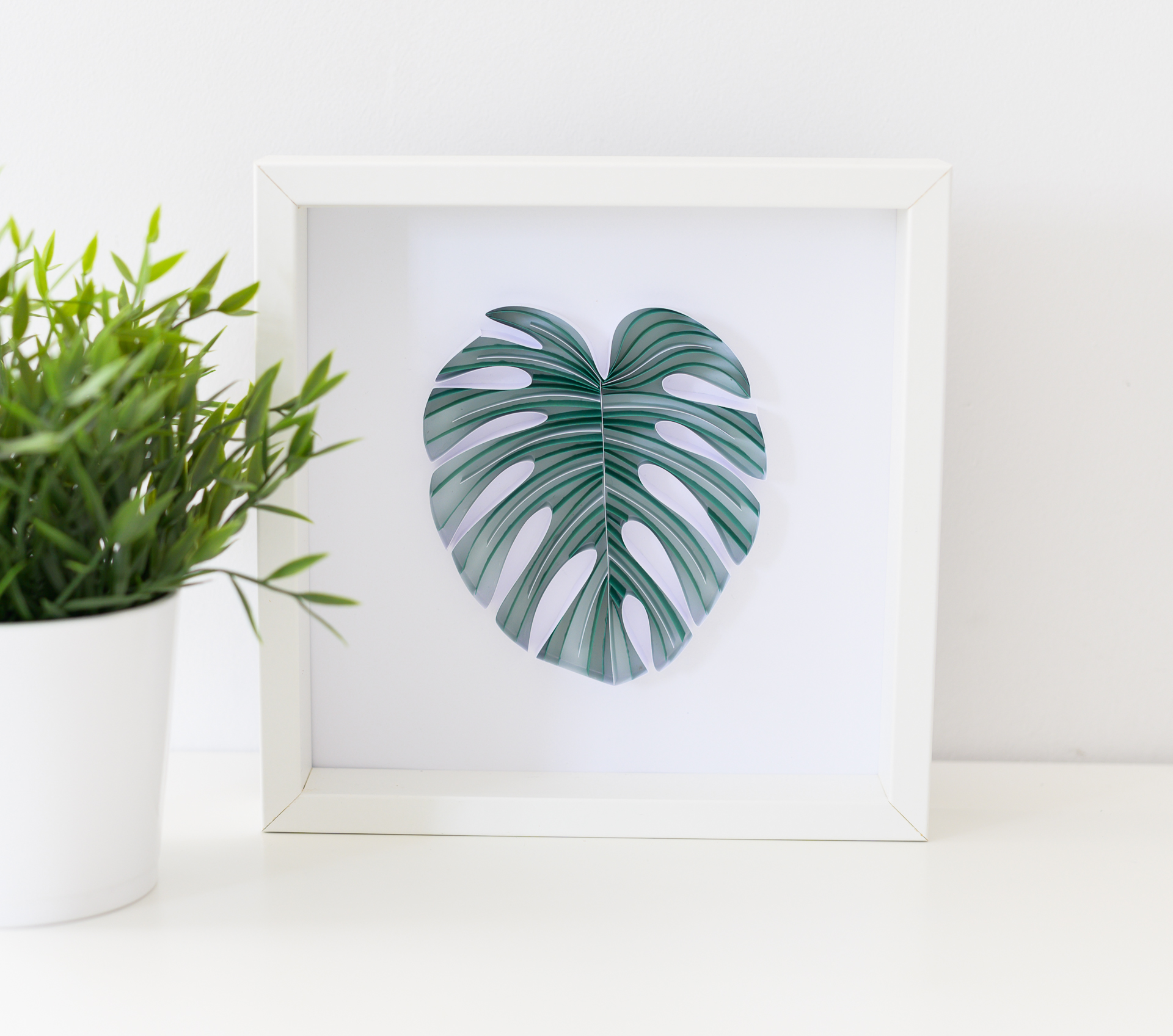 You are currently viewing Framed Monstera Leaf – Tropical Home Decor