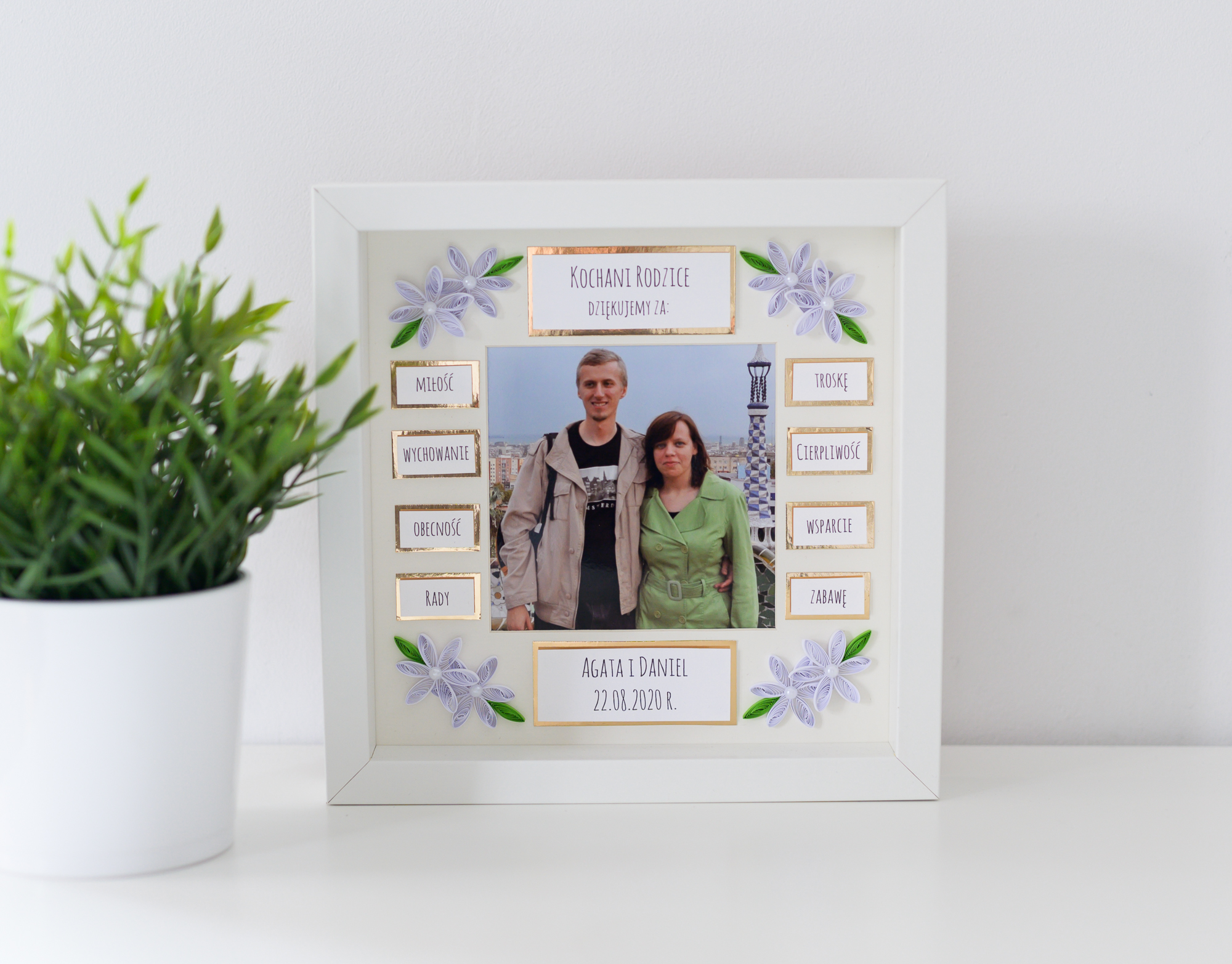 Read more about the article Wedding thank you gift for parents – Golden photo frame