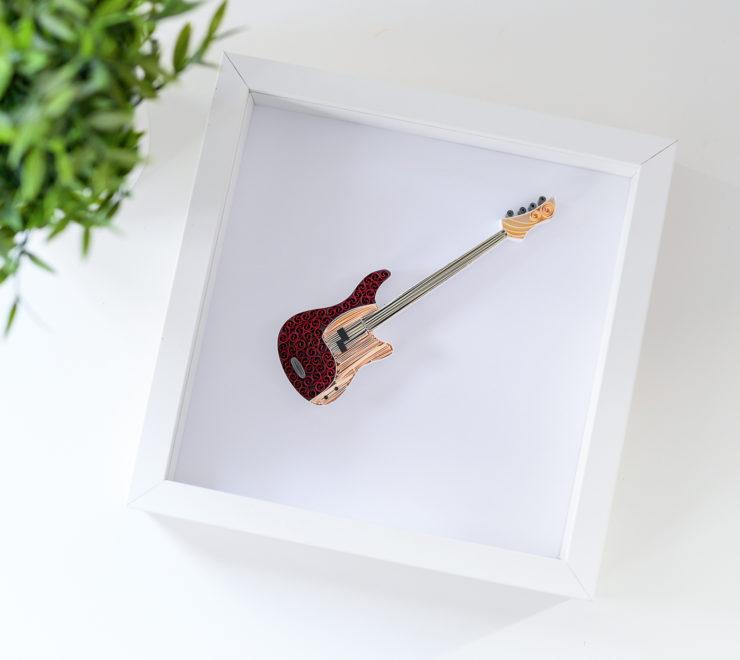 Muzyczne dekoracje na ścianę – Obrazek z gitarą basową